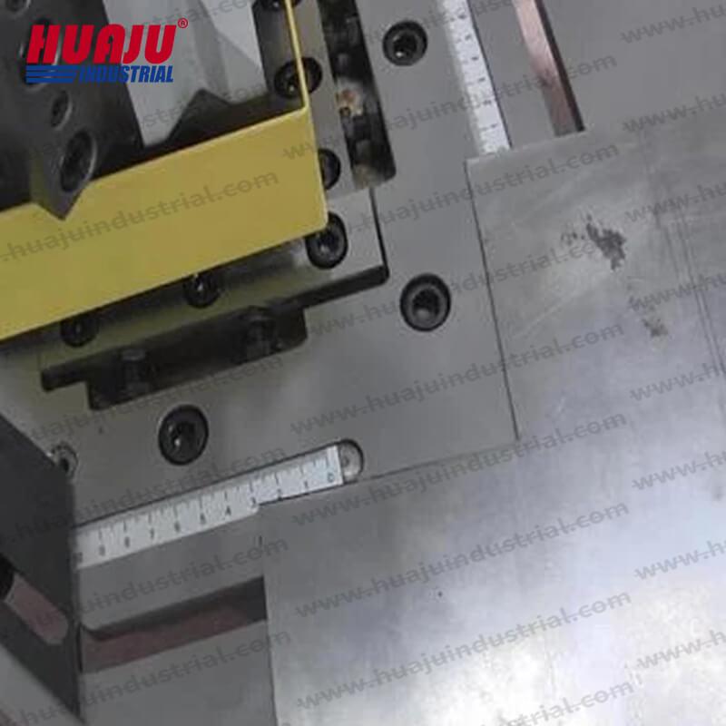 4×4 in metal corner notcher HN-3-102